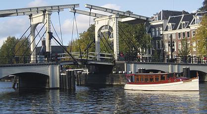 Amsterdam vanaf het water